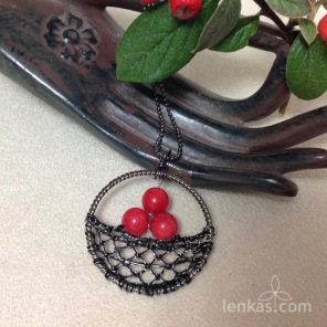 THree Berries Pendant